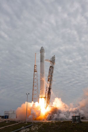 CRS F9 Dragin liftoff